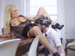 Fuck Agent Uk Anal Having Her Way With A Rookie