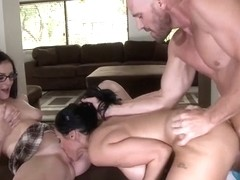 Stepmom Amanda catches natural tits Veronica Rayne and Johnny Sins fucking