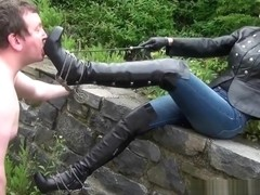 ponyplay shoulder sitting