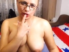 cute marysol83 flashing boobs on live webcam