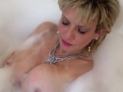Wank Instruction In The Bath - LadySonia