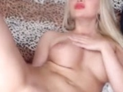 Sexy golden haired bitch squirts on her webcam sex show