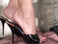Under-Feet Video: Angelina