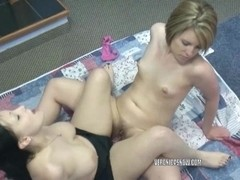 Veronica Snow and Angelica Meow share a big dildo